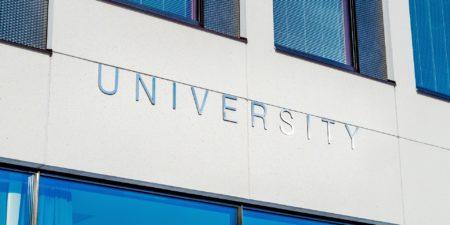 Bild på universitetsbyggnad utomlands