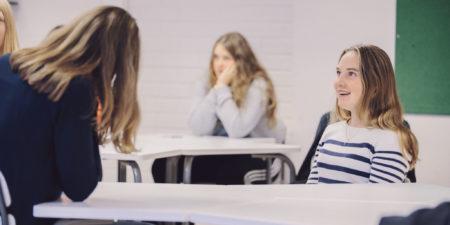 Barn i skola.