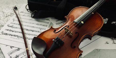 Violin och noter.