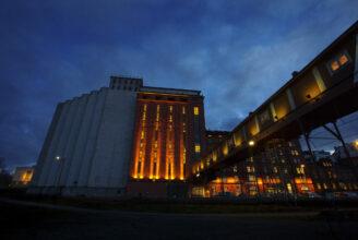Academill, Vasa