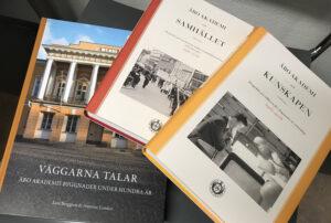 tre böcker