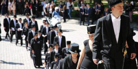Åbo Akademi promotion 2018, procession till Åbo Domkyrka.