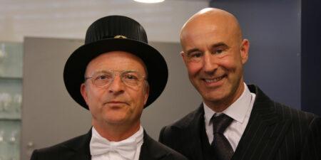 Åbo Akademi promotion, hedersdoktor Jonas Gardell med man Mark Levengood.