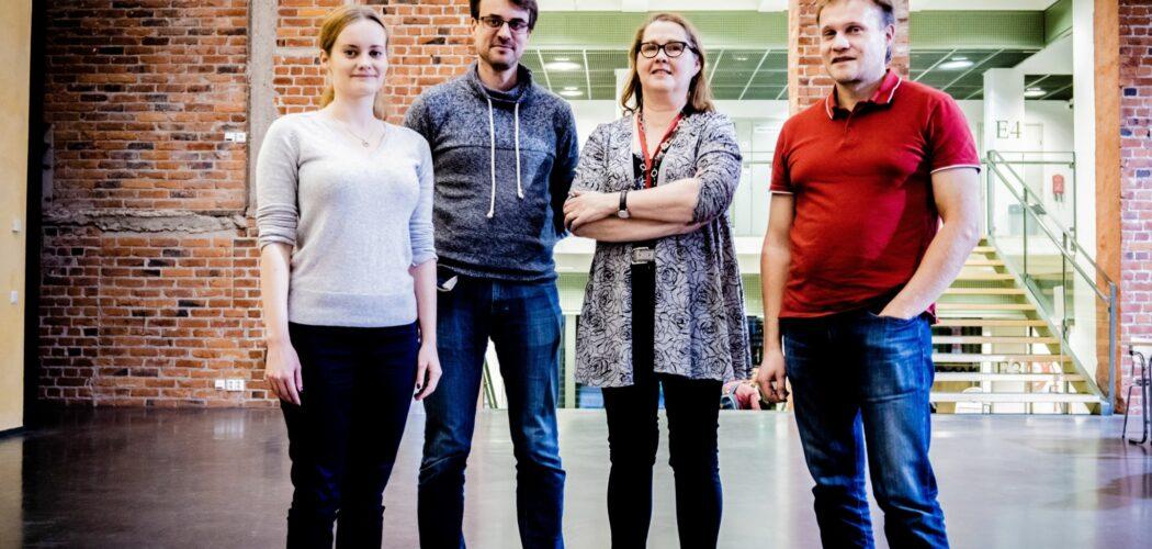 Lisabet Sandin, Sören Andersson, Margareta Björklund-Sänkiaho och Hans Lindén står på rad i Academill.