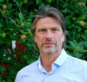 Porträttfoto på Petri Salo.