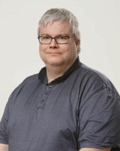 Porträttfoto på Stefan Willför.