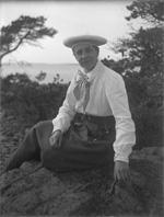 Sigrid Granfelt sitter på berget