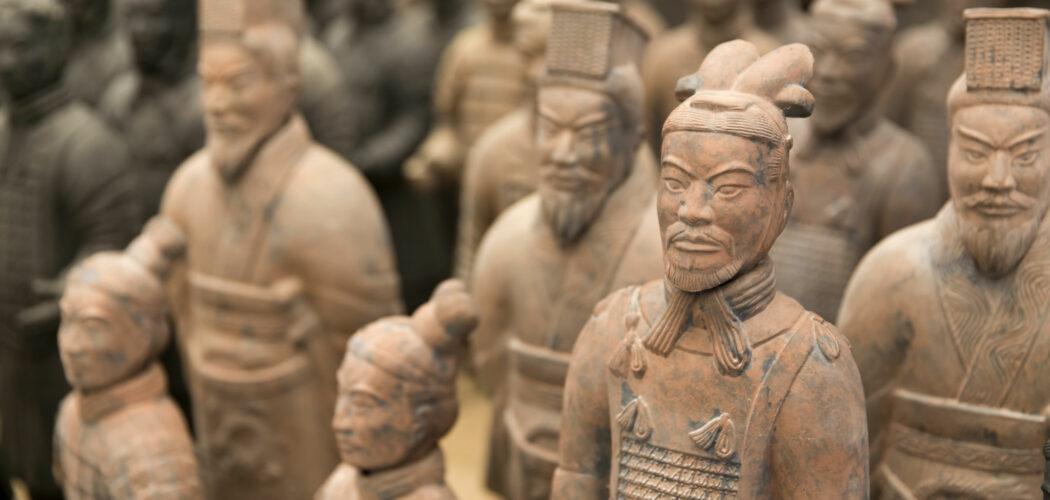 Detalj ur terracottaarmén i Xian, Kina. Lerfigurer.