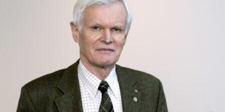 Carl G Gahmberg