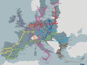 Karta över Europa med transeuropeiska transportnätverket utmarkerat genom linjer mellan olika städer.