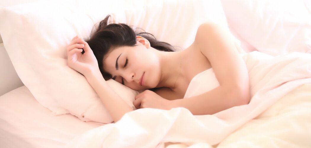 En sovande kvinna.