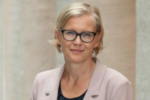 Porträttbild av Pamela Slotte, professor i religion och rätt