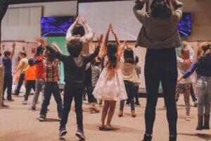 Dans aktiverar lärande och kreativitet och kan användas som komplement till annan undervisning för att erbjuda elever mångsidiga möjligheter till lärande. Foto: Anna Earl