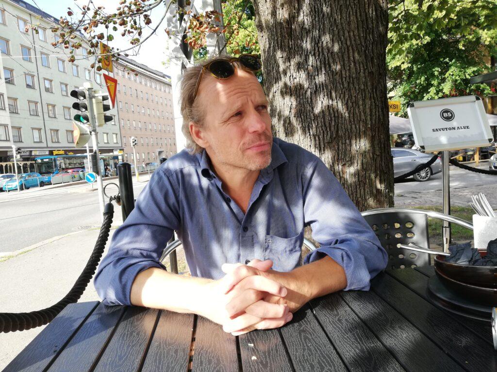 Porträttfoto på Joel Backström.